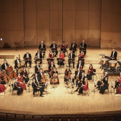 Sinfoniettan soittajat kotisalissaan Tapiolassa